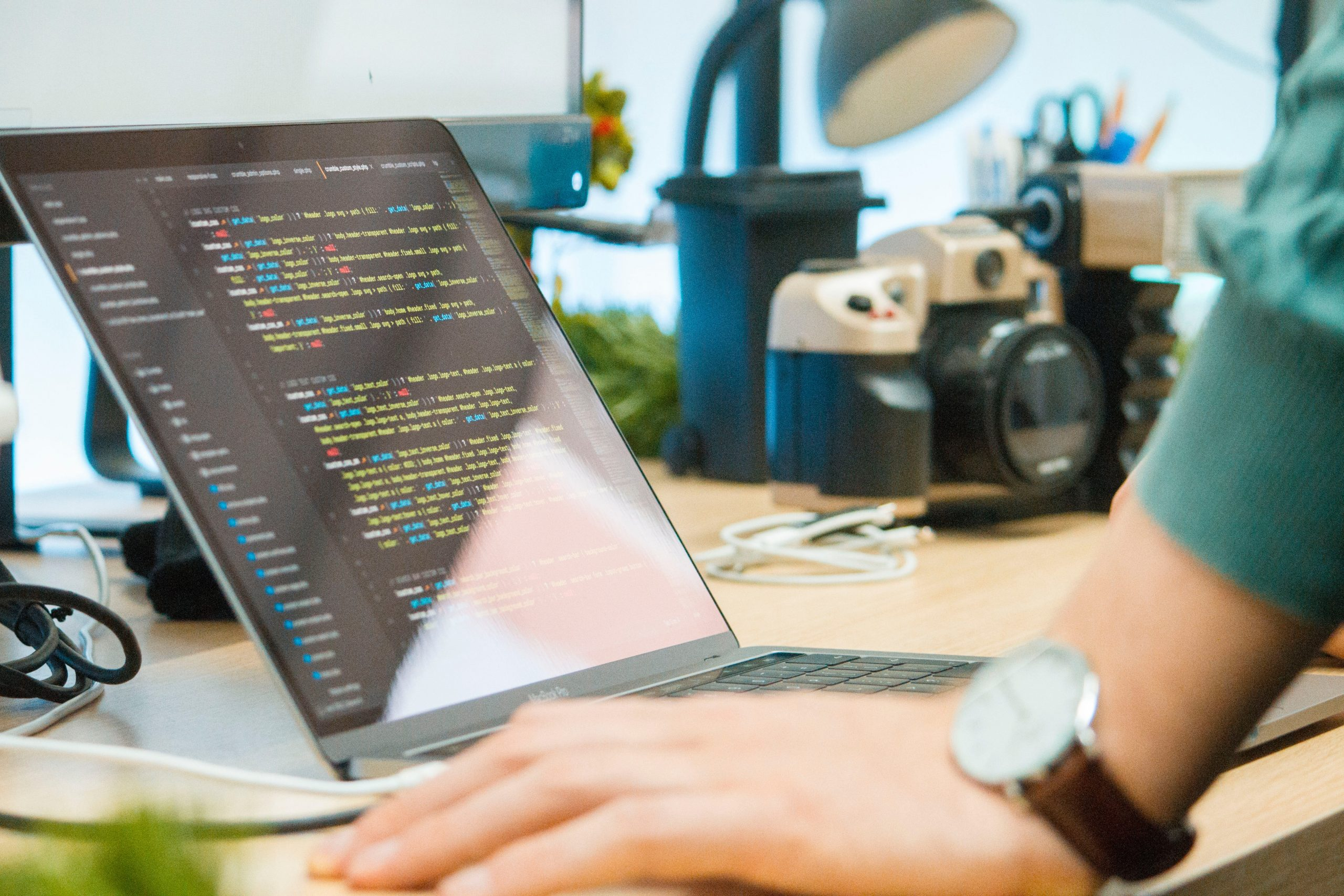 كيفية مواكبة التقنيات الجديدة فى البرمجة - الباشمبرمج